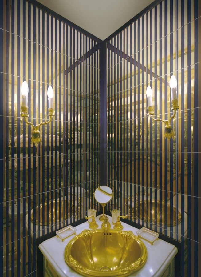 Grand Elegance Gold Petracher`s
