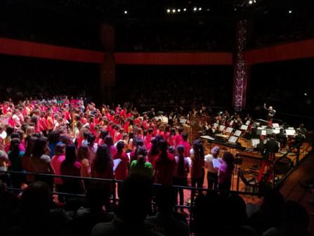 La chorale du Collège à la Halle aux Grains