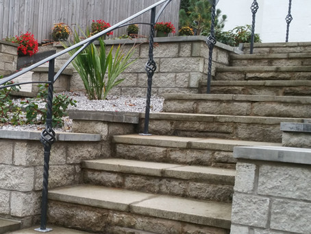 Simple & Understated Handrail