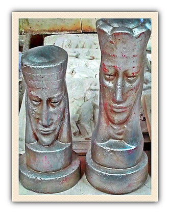 King & Queen Chest Pieces Statue