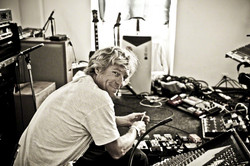 Dallas Schoo The Edges Guitartech