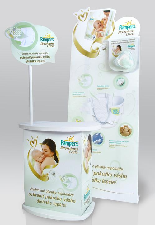 pampers premium sales lady stand - RETUS