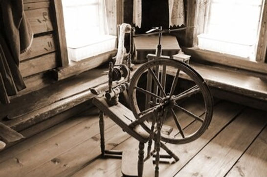 old-spinning-wheel-village-house-260nw-7