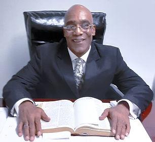 pastor%2520plummer%2520in%2520office%25202019_edited_edited.jpg