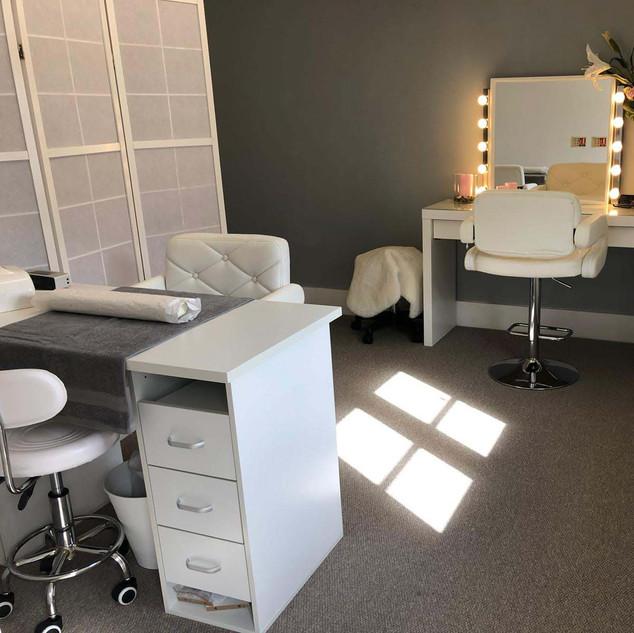 KJ Cosmetics Beauty Salon (Reading,  Ber