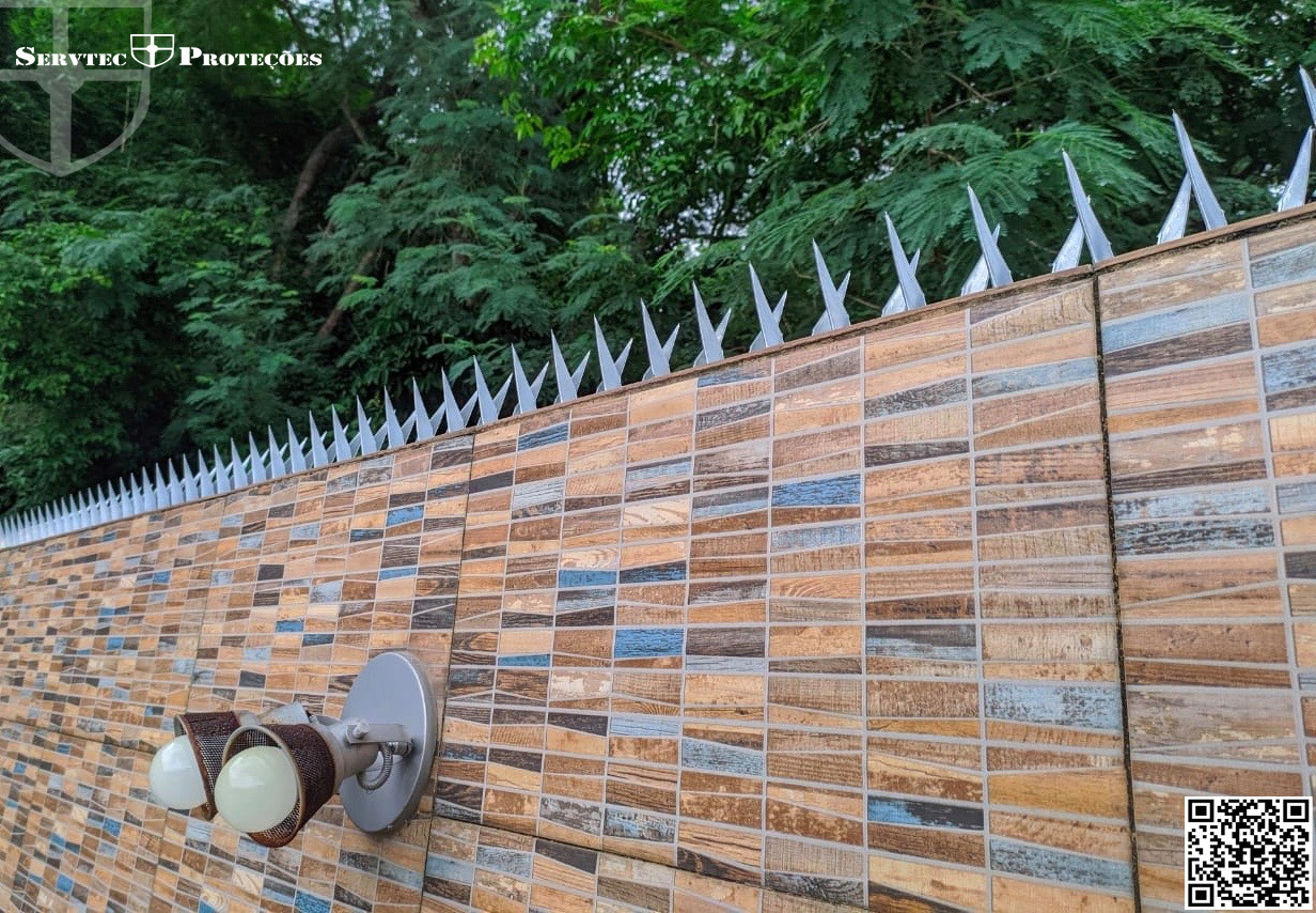 Instalação de Lança de Proteção / wall spike (Galvalume).
