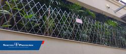 Instalação de rede laminada cor preta com 1 metro de altura