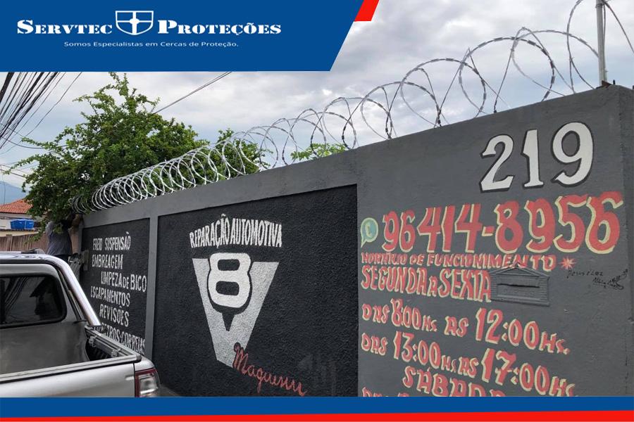 Instalação de cerca concertina, cortante, perfurante, proteção para muro e grade