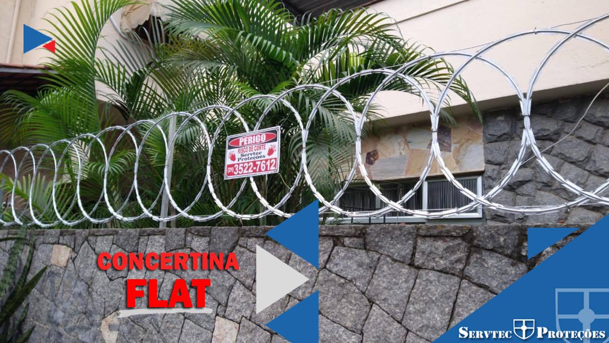 Instalação de cerca concertina Flat