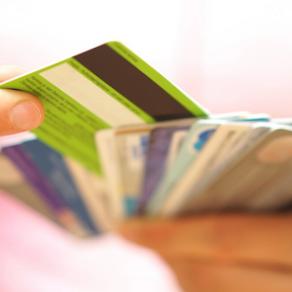 """""""Dívida eterna"""", diz juíza ao condenar banco por debitar valores de cartão não solicitado"""