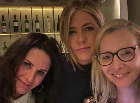 Jennifer Aniston anima a seguidores de Friends con nueva fotografía