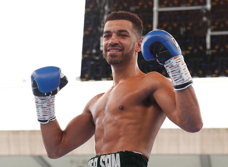Campeón europeo de boxeo se golpea a sí mismo al entrenar en su casa en medio del confinamiento