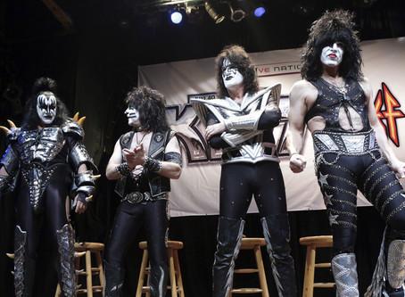 """""""Un concierto único"""": Kiss tocará para tiburones blancos y ocho personas en Australia"""
