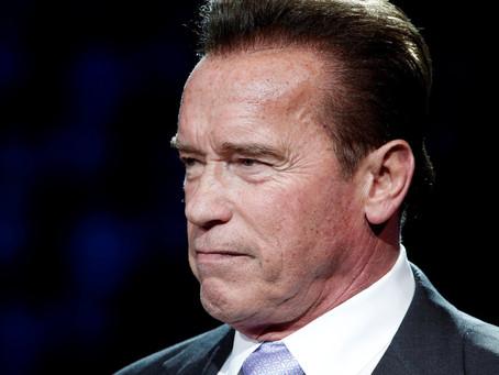 """El tutorial de lavado de manos de Arnold Schwarzenegger para """"estar a salvo"""" del coronavir"""