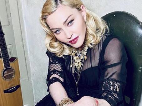Madonna dona cubrebocas a prisiones e los Estados Unidos