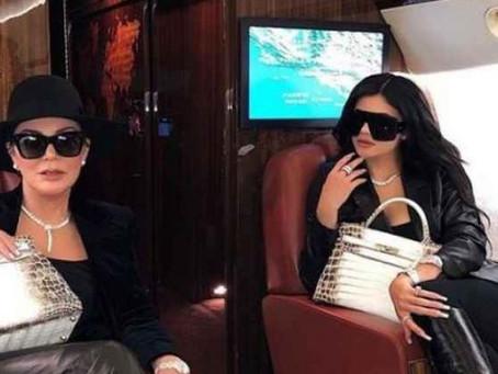 Kylie Jenner y su madre Kris Jenner envían desinfectantes a trabajadores de la salud