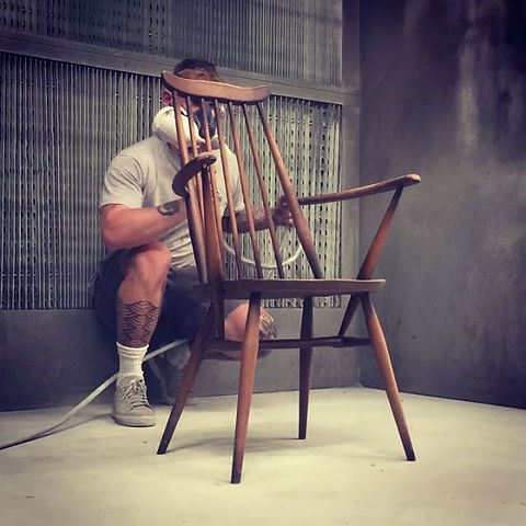 How to spray a chair In 10 seconds 😁 #F