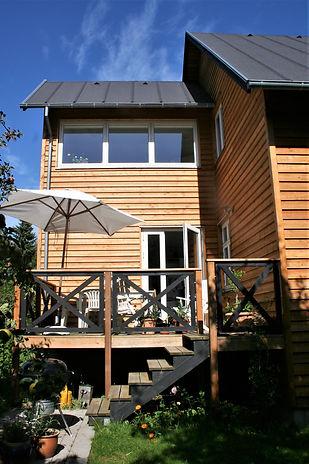 Ny terrasse - svævende plankedæk - husarkitekten