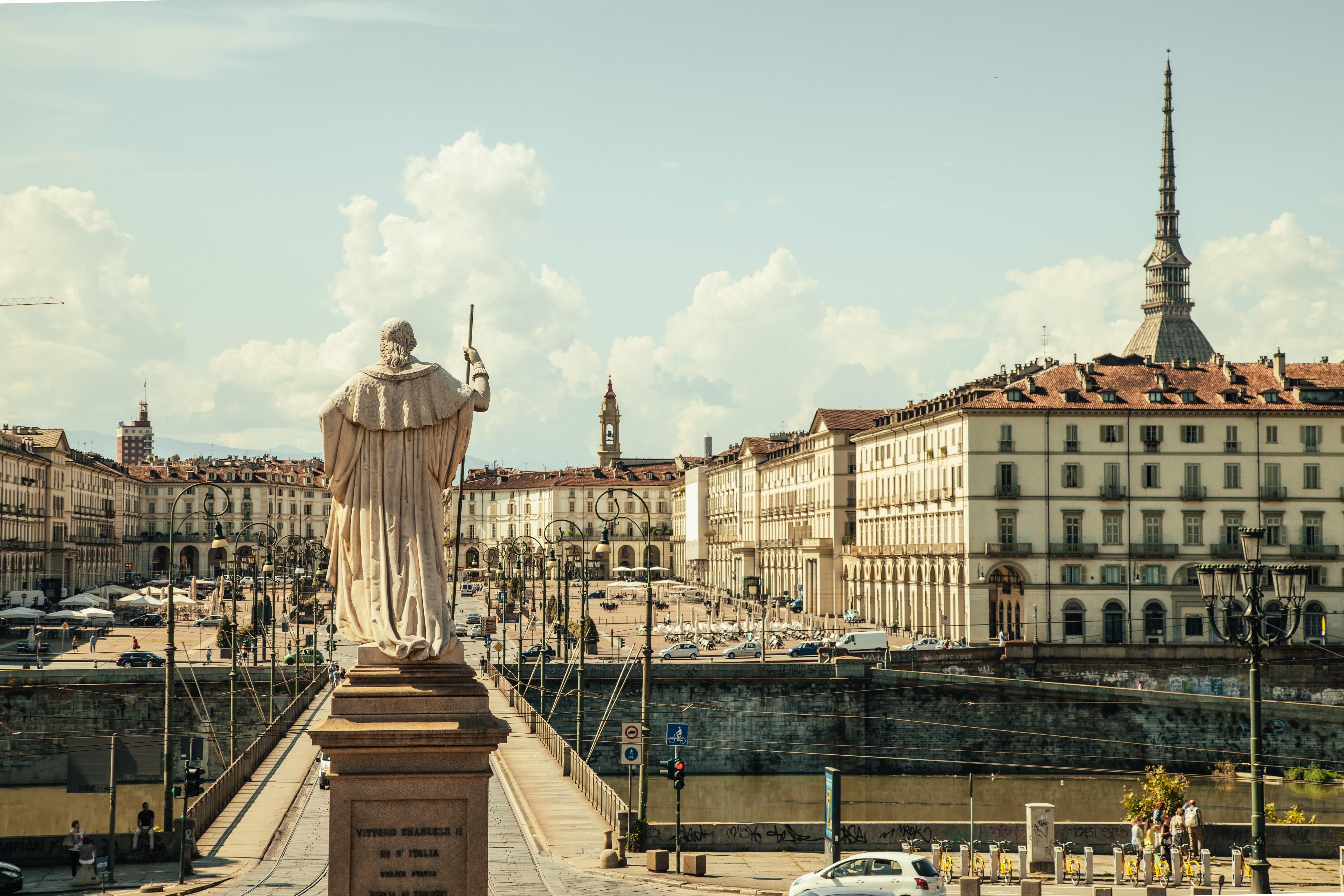 piazza-vittorio-438449.jpg