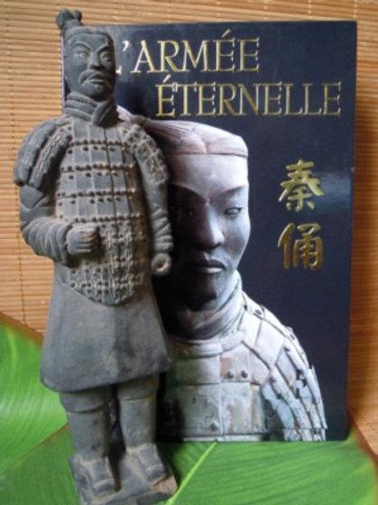 🇨🇳 Soldat + Livre sur l'armée éternelle