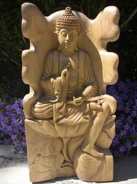 Bouddha assis sur la fleur de Lotus