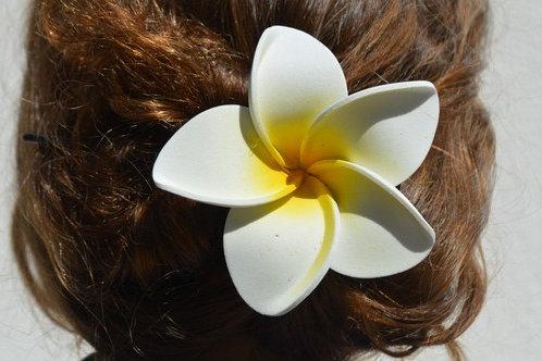 Grande fleur de frangipanier (barrette)