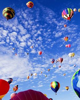balloon-fiesta-1746495_960_720.jpg