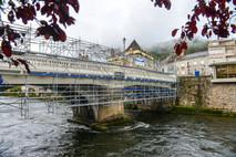 Peinture pont sur la Dordogne à Bort-les-Orgues - Viallant-Loge