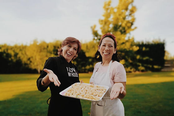 Ilaria Bertinelli (Left) Quyen Ha (Right