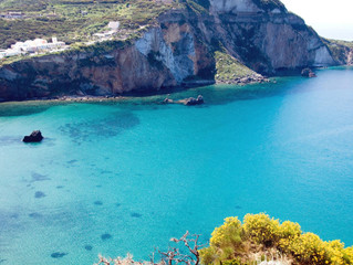 Ponza: a paradise island that not a lot of people know.