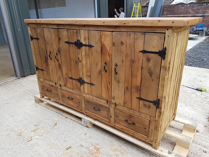 BESPOKE SIDEBOARD WITH DRAWERS