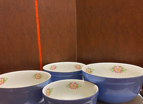 Vintage Hall's Superior Quality Kitchenware Nesting Bowls