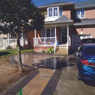 frontyard3.jpg