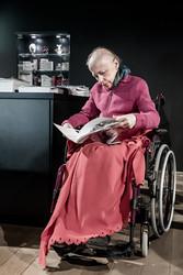 « Mon rêve, c'est d'être enfermée au milieu d'une bibliothèque. » Noëlle, dans la librairie-boutique du musée Lalique