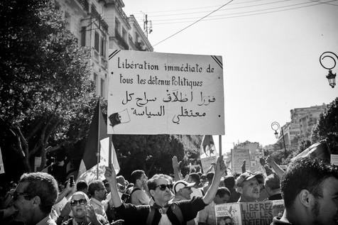 Libération immédiate de tous les détenus politiques