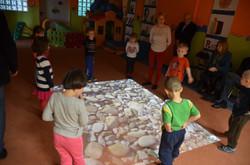 Bevægelse-leg-læring_interaktivt_gulv_funnyfloor.dk