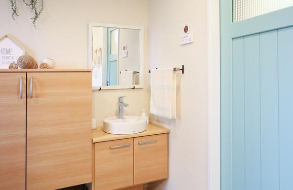 玄関ホール トイレ