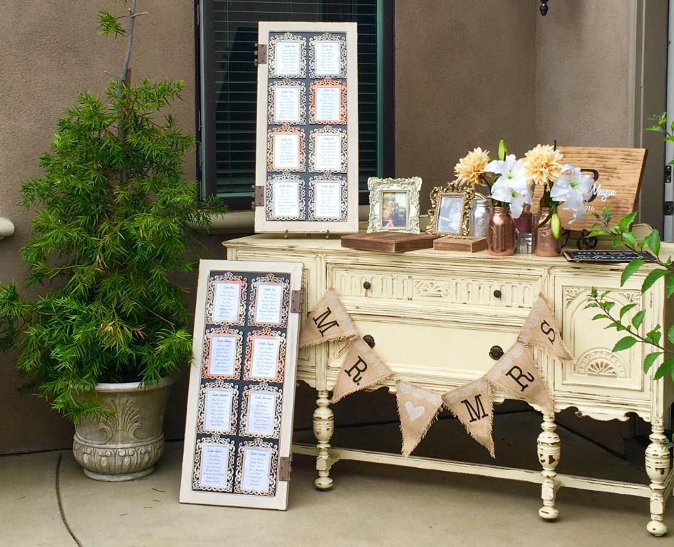 Lindy Console Table