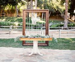 Georgia Pedestal Table