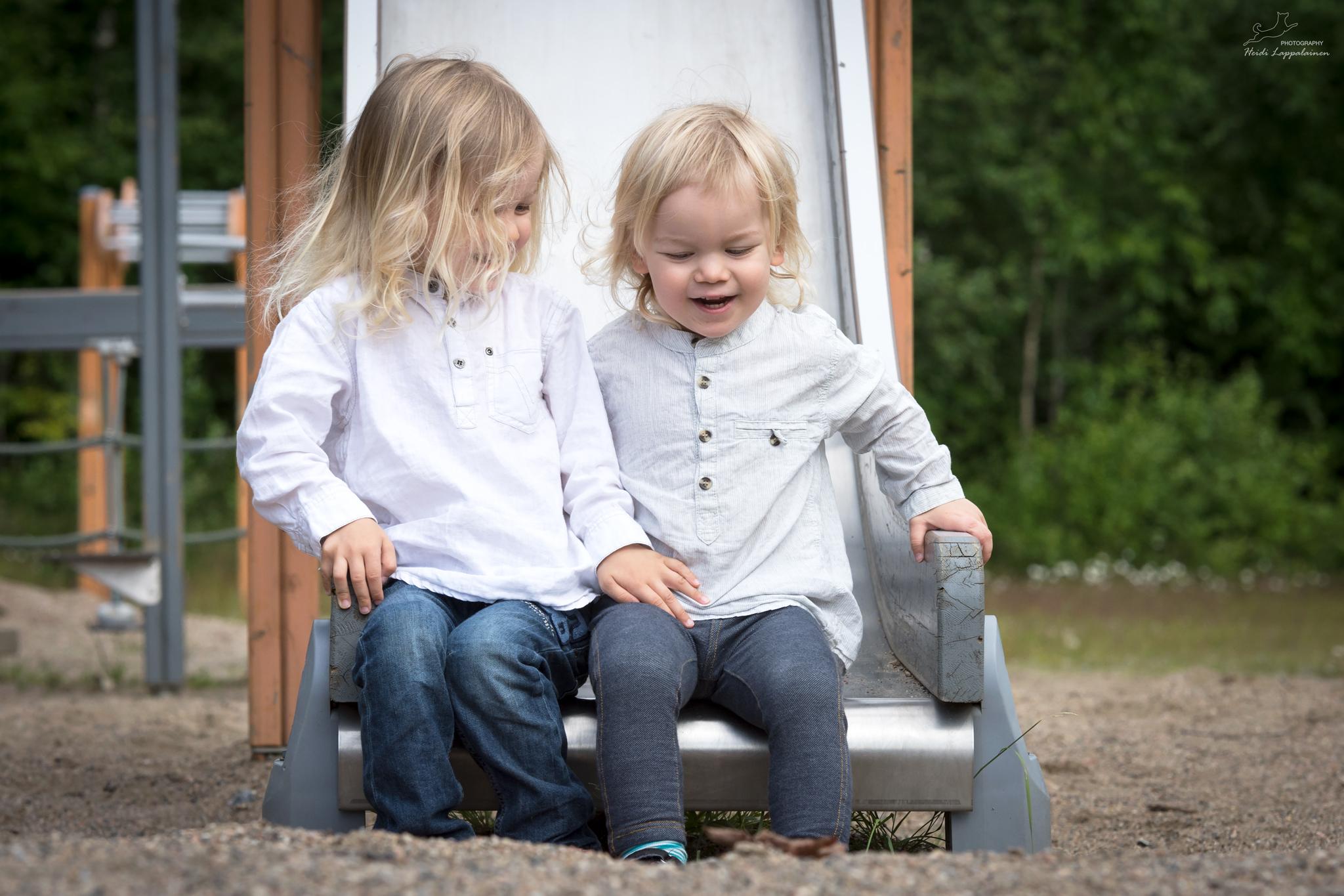 Lapsi- ja perhekuvaus