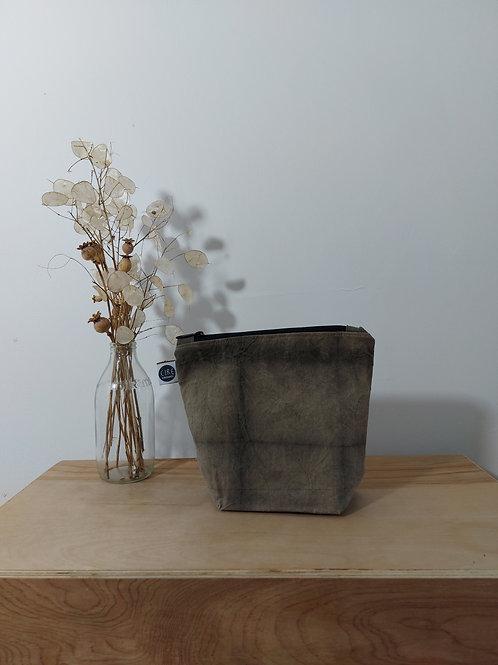 grey patterned washbag