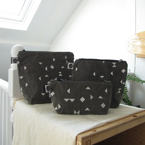 Grey triangle print washbag