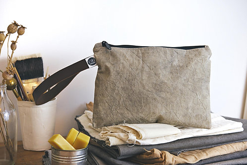 Light grey waxed canvas washbag with leather handle