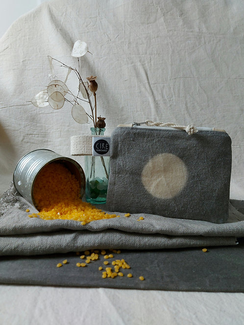 Moon coin pouch