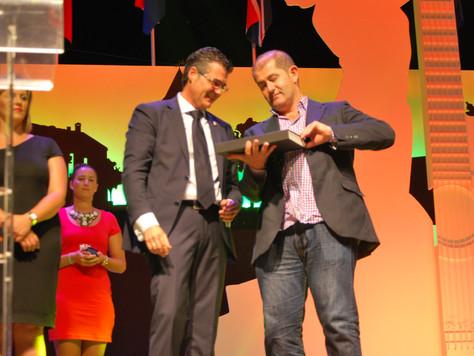 Medalla de Oro a Sr. Daniel García Madrid