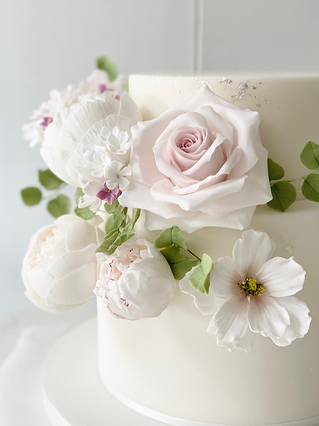 Small wedding cake close-up