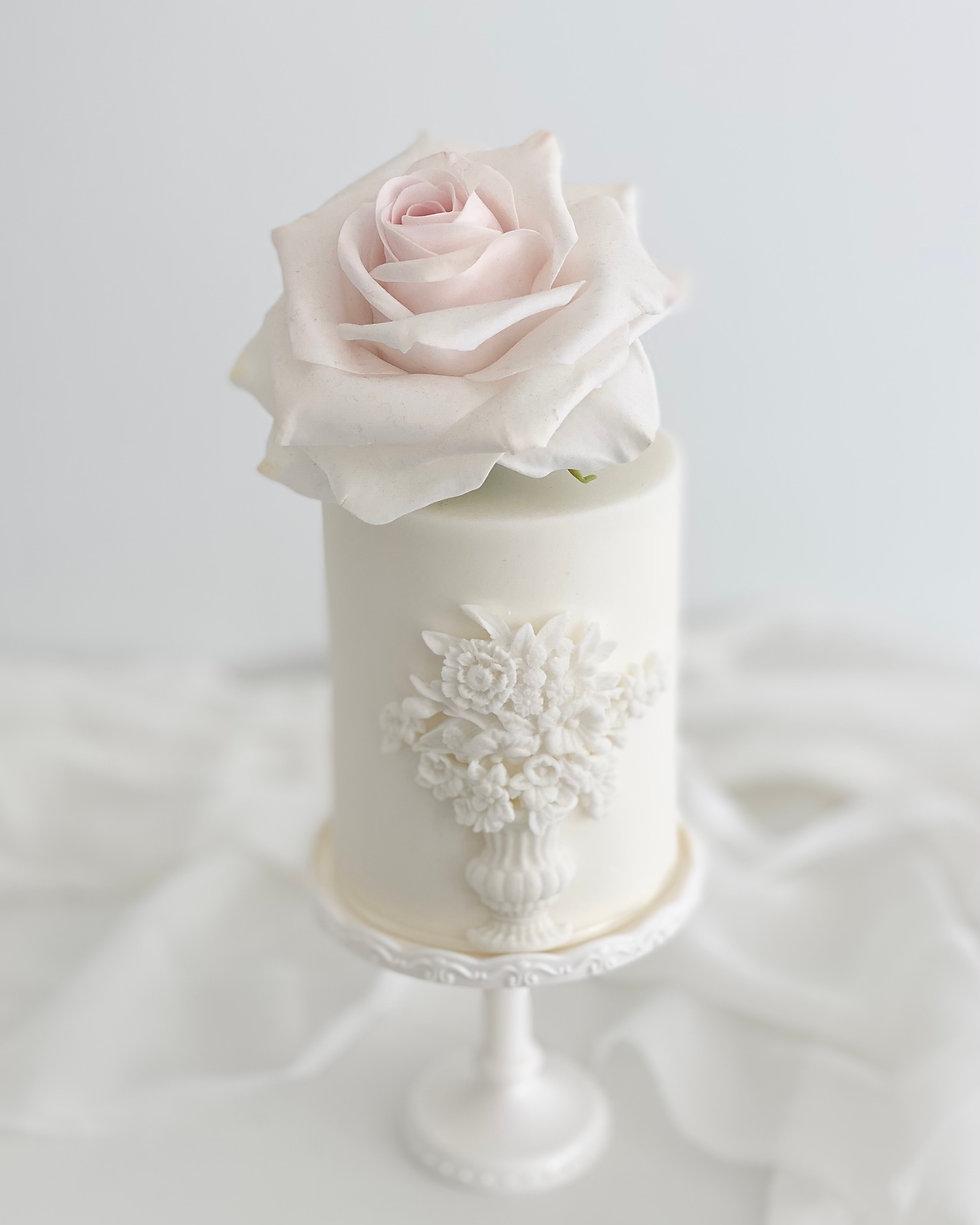 Fine art mini wedding cake.jpeg