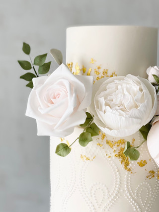 rose closeup stencil floral wedding cake