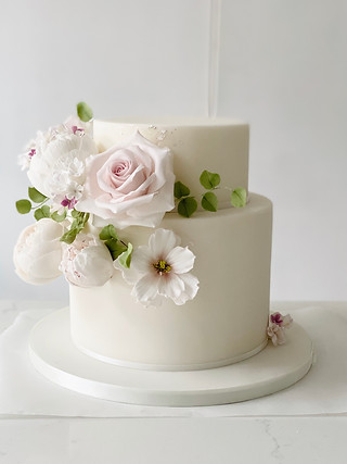 Two-tier wedding cake blush and silver