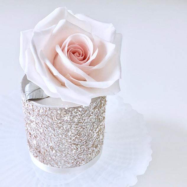 mini rose cake - 1.jpg